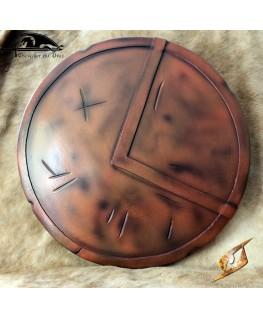 Ce bouclier de 70cl de diamètre a un aspect cuivre vieilli du plus bel effet